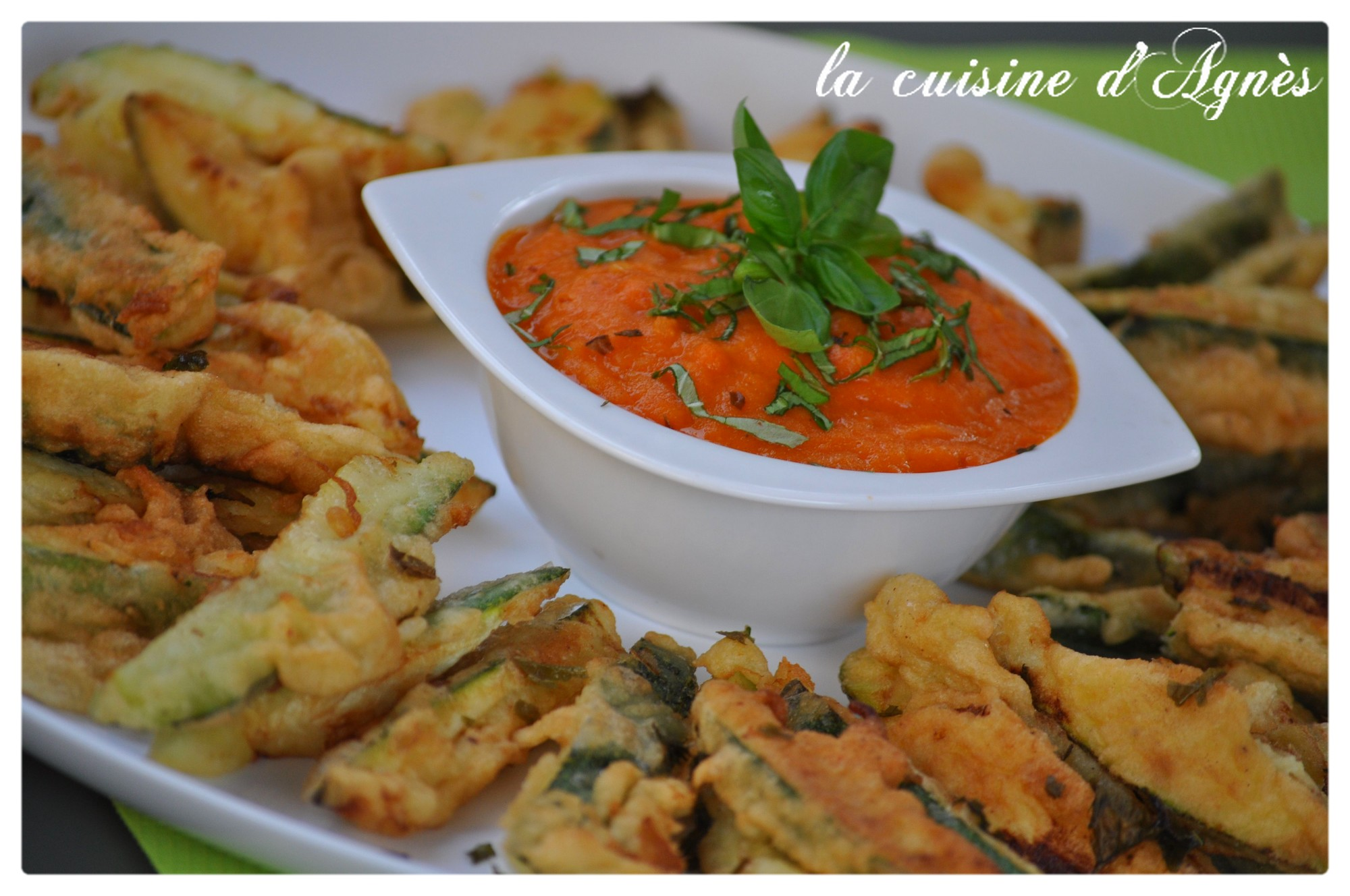 tempura de courgettes au coulis de tomates fra ches la. Black Bedroom Furniture Sets. Home Design Ideas