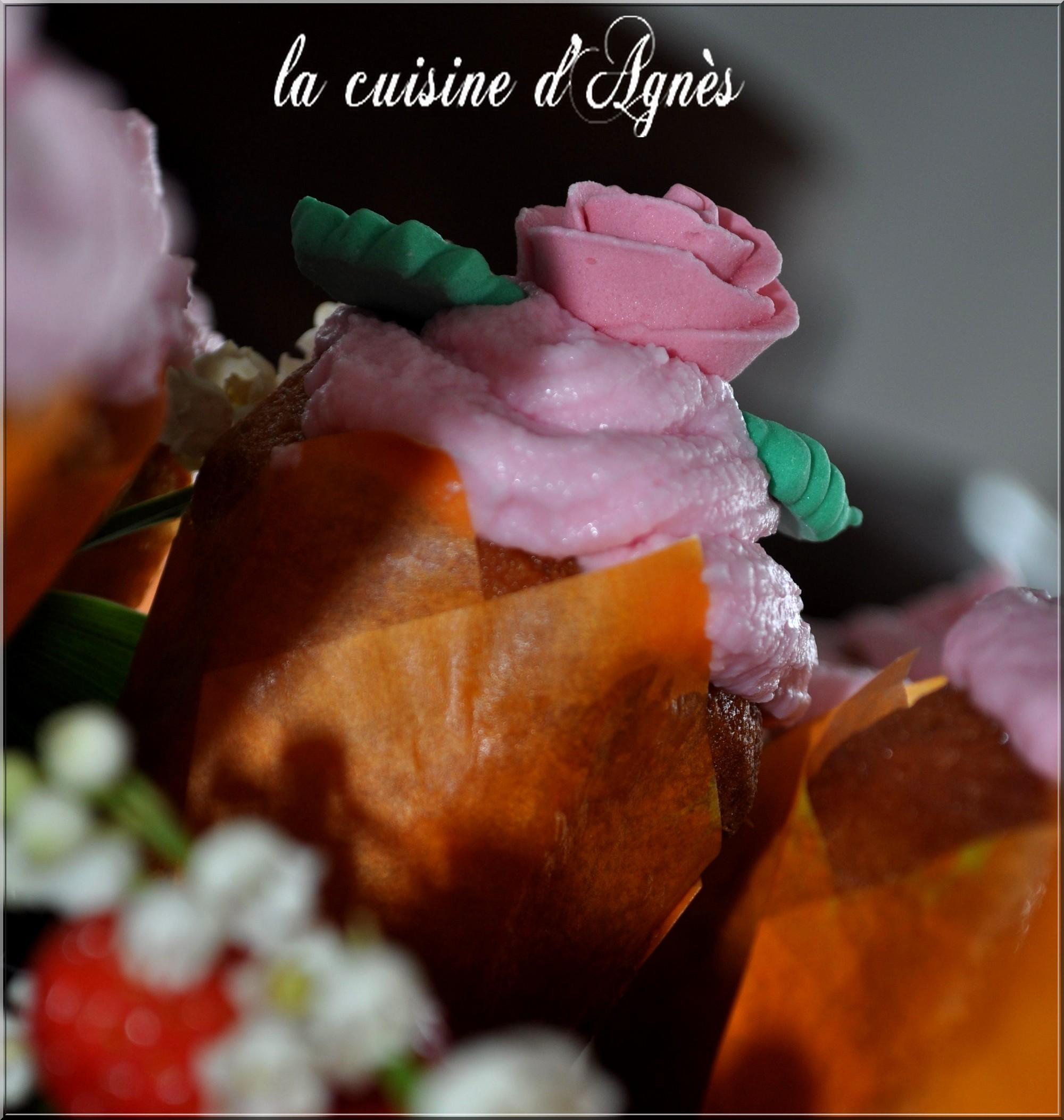 cupcakes au chocolat blanc et à la fraise