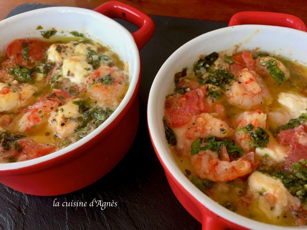 cassolette-de-crevettes-a-lail-feta-tomate