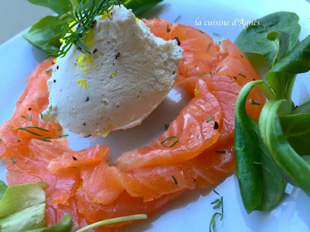 gravlax-de-saumon-au-citron-et-poivre-timur-et-sa-chantilly-au-citron-6