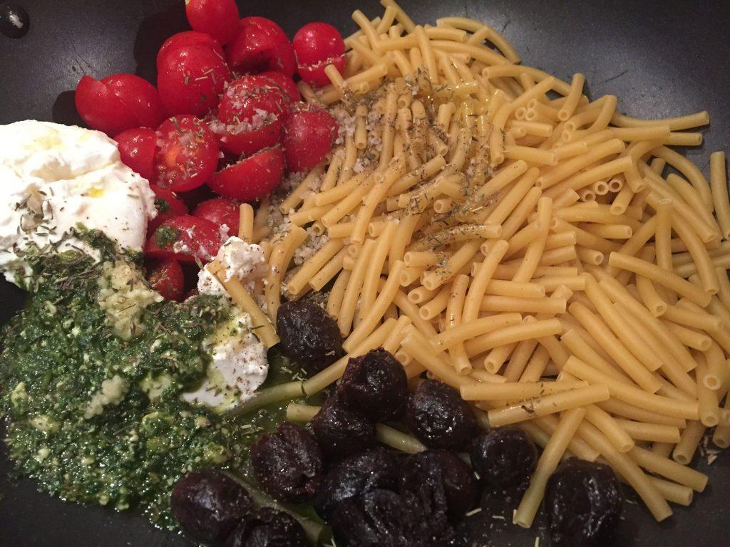 one-pot-pasta-tomates-ricotta-basilic