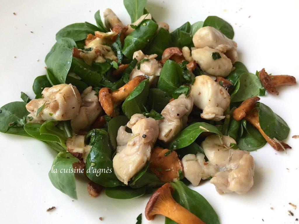 salade-de-lapin-aux-girolles-et-aux-noisettes